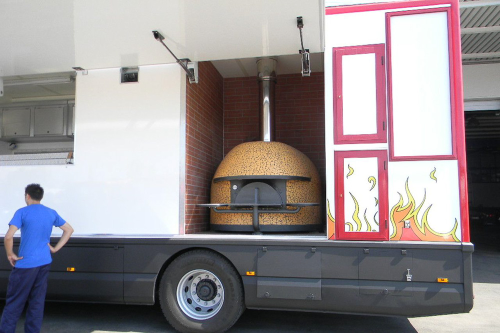 strest-food-business-truck-vai-pizza-3
